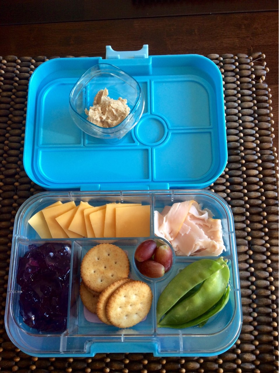 monday s school lunch homemade lunchables cheese turkey crackers
