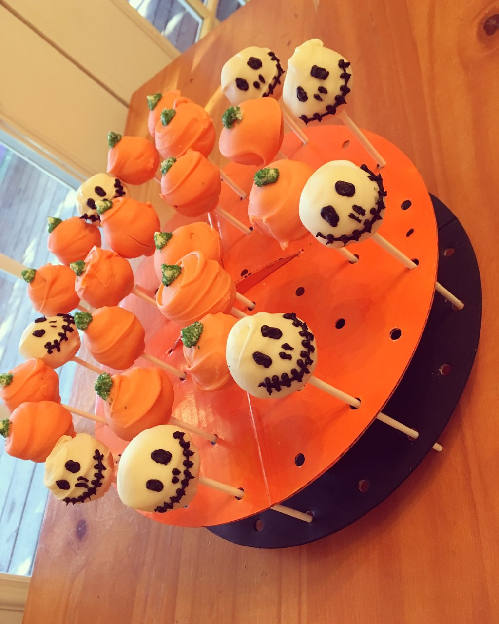 Happy halloween made homemade cake pops for my kids and for Halloween cake recipes from scratch