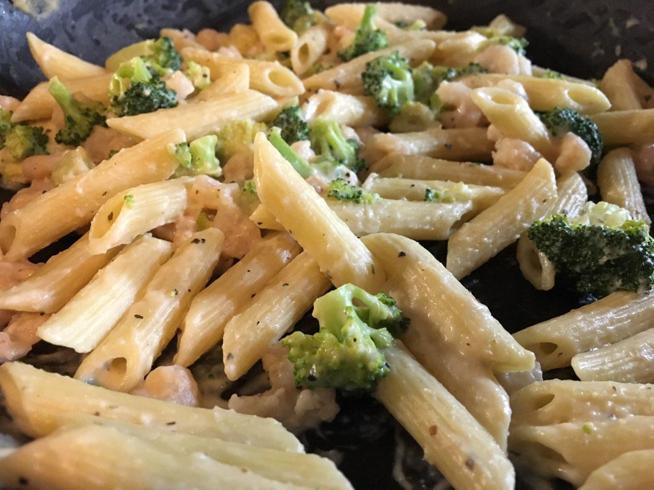 how to make broccoli alfredo pasta